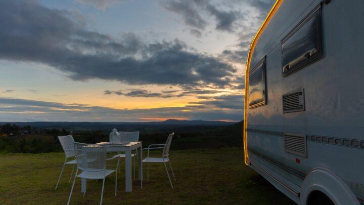 Hvor meget strøm bruger man på camping? Dette bruger du strømmen på