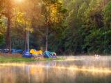 Hvor må man slå telt op? Gratis og betalt