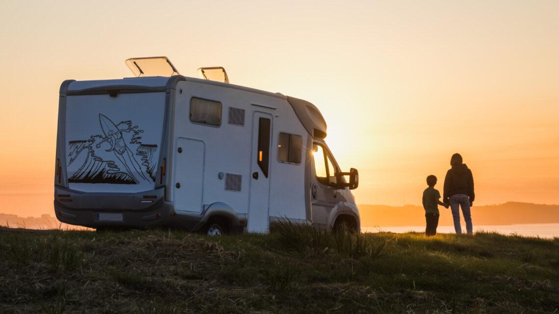 Pakkeliste campingvogn: Dette skal du pakke i campingvognen